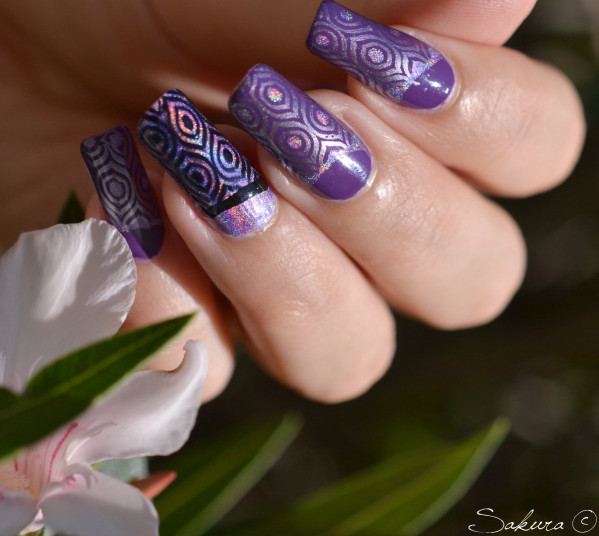 NAIL ART STAMPING VIOLET HOLOGRAPHIQUE 2