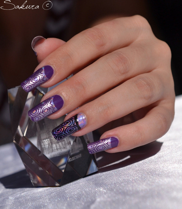 NAIL ART STAMPING VIOLET HOLOGRAPHIQUE 7