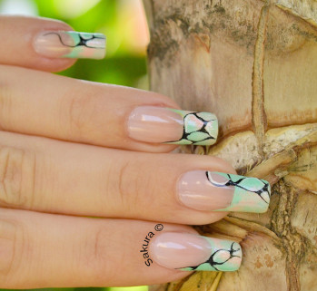 NAIL ART FRENCH ABSTRAITE 10