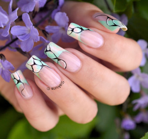 NAIL ART FRENCH ABSTRAITE 8